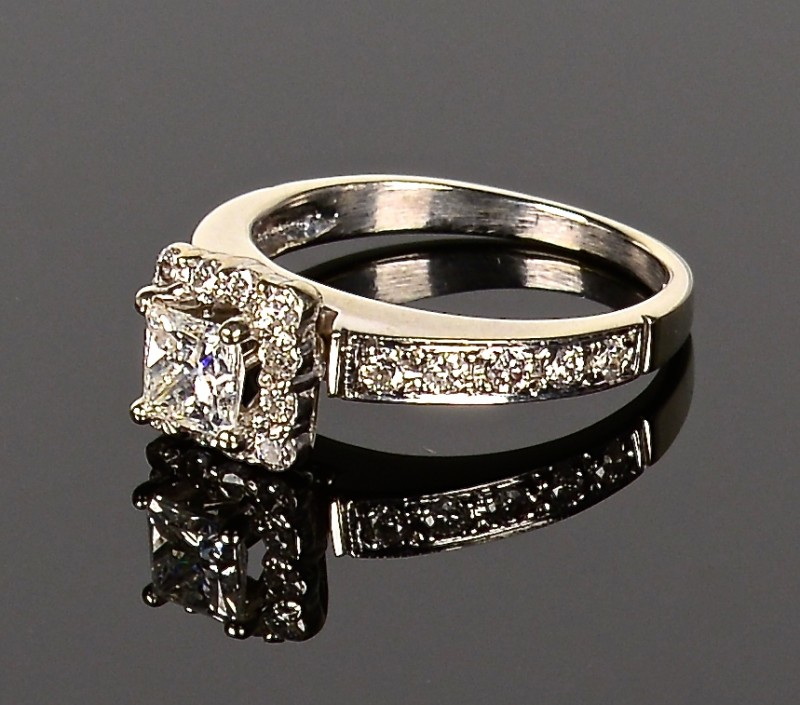 Lot 589: 14k Princess cut diamond Ring