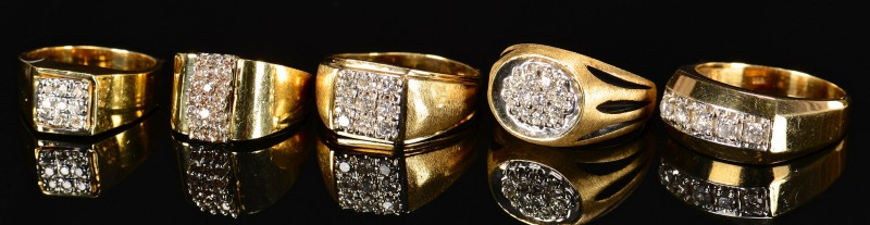 Lot 592: 5 Men's diamond fashion rings