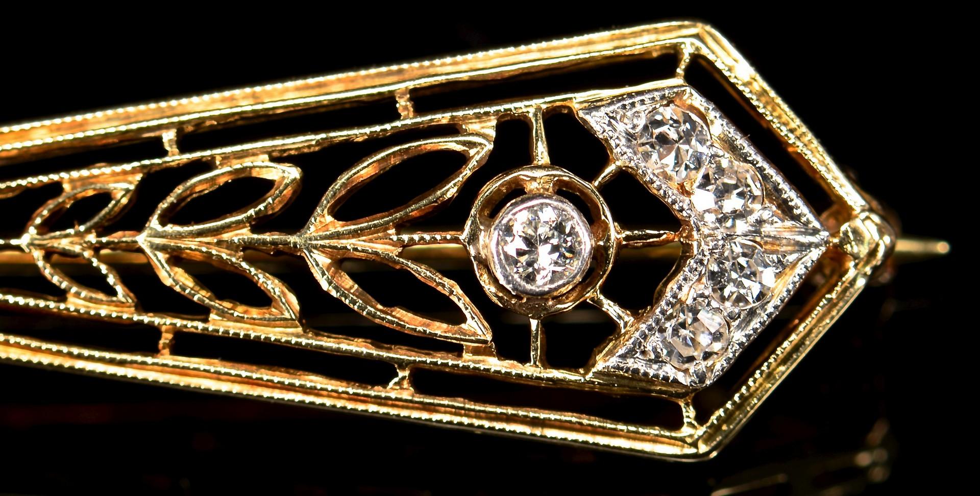 Lot 593: 2 Gold Diamond Jewelry Items
