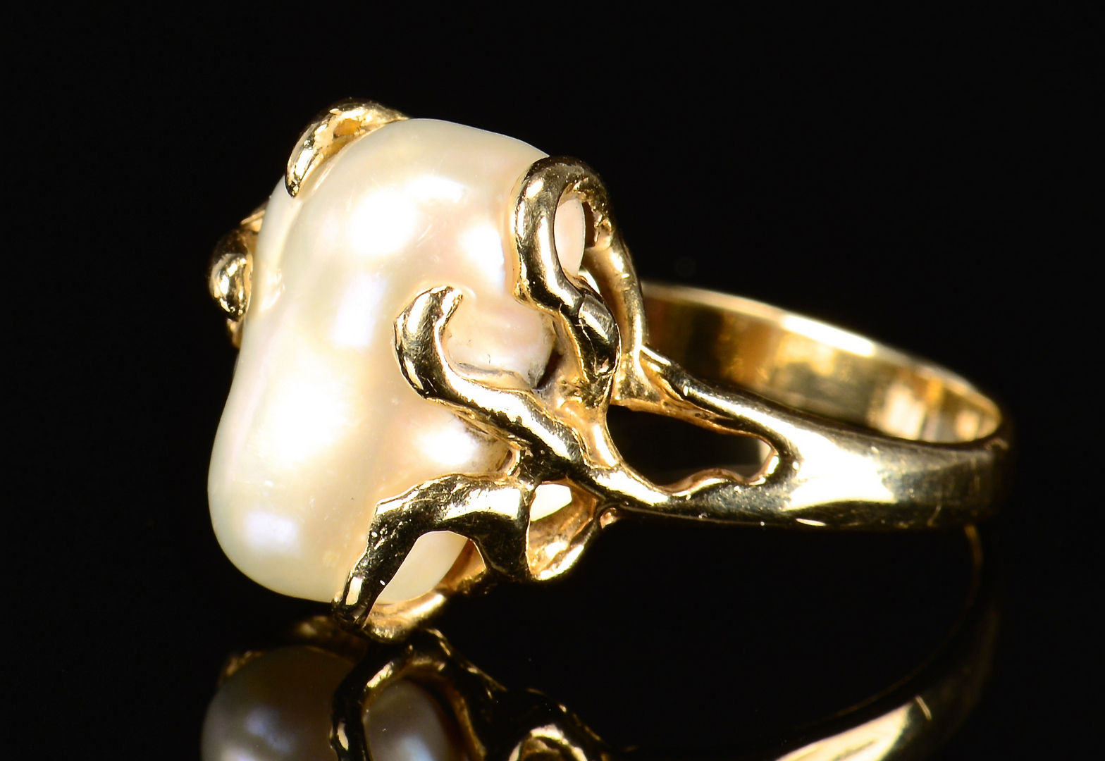 Lot 595 18k Amp 14k Baroque Pearl Rings