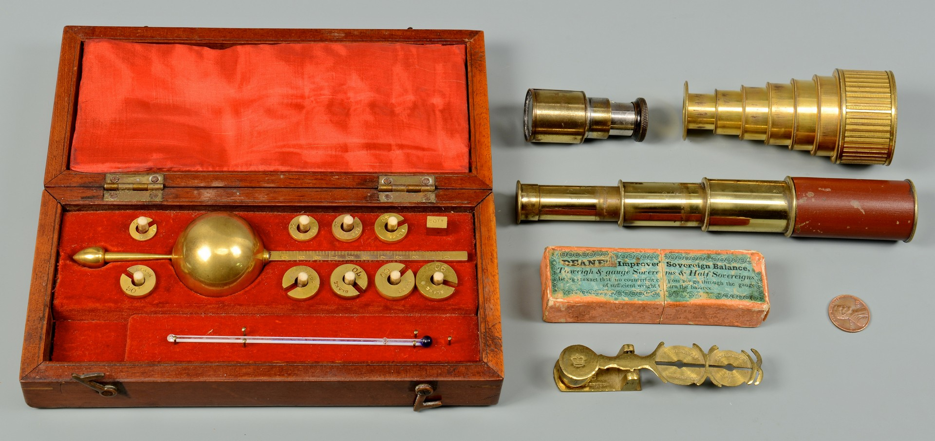 Lot 612: Assorted Scientific Antiques, 5 items