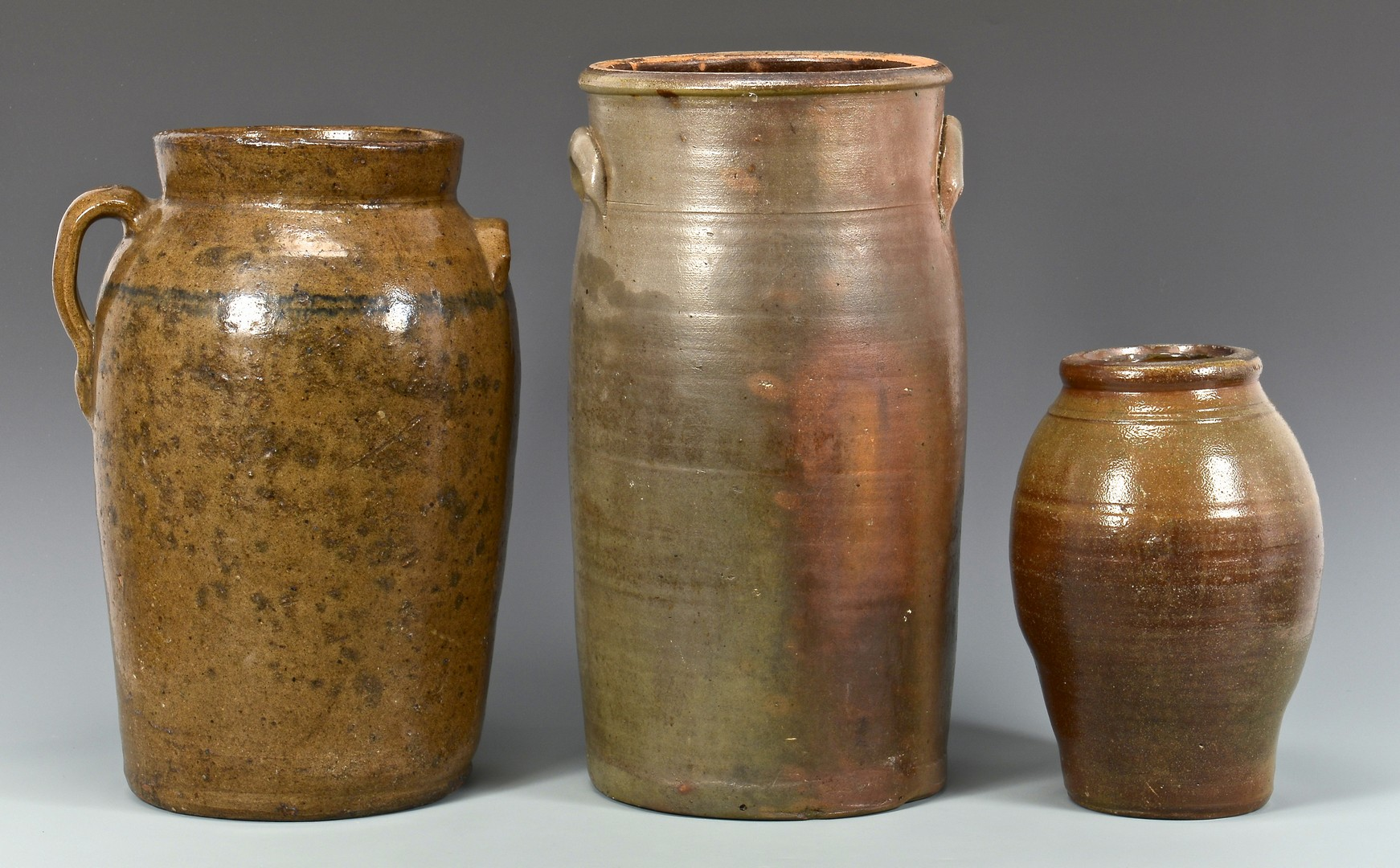 Lot 647: 5 Southern Stoneware forms inc. Tennessee