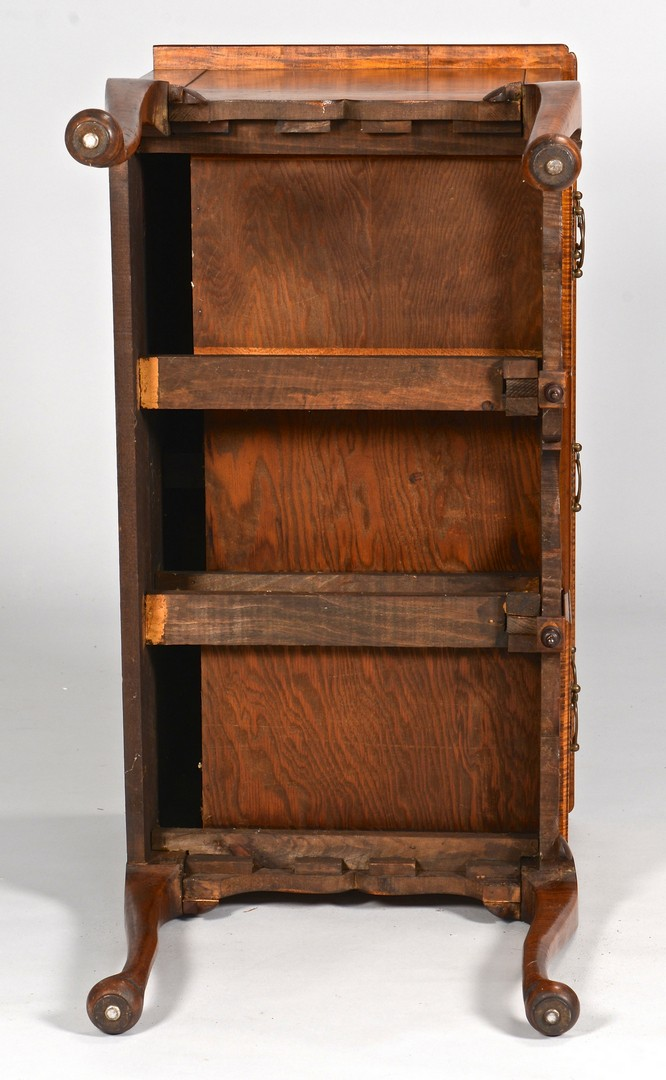 Lot 730: Tiger Maple Lowboy, Queen Anne Style