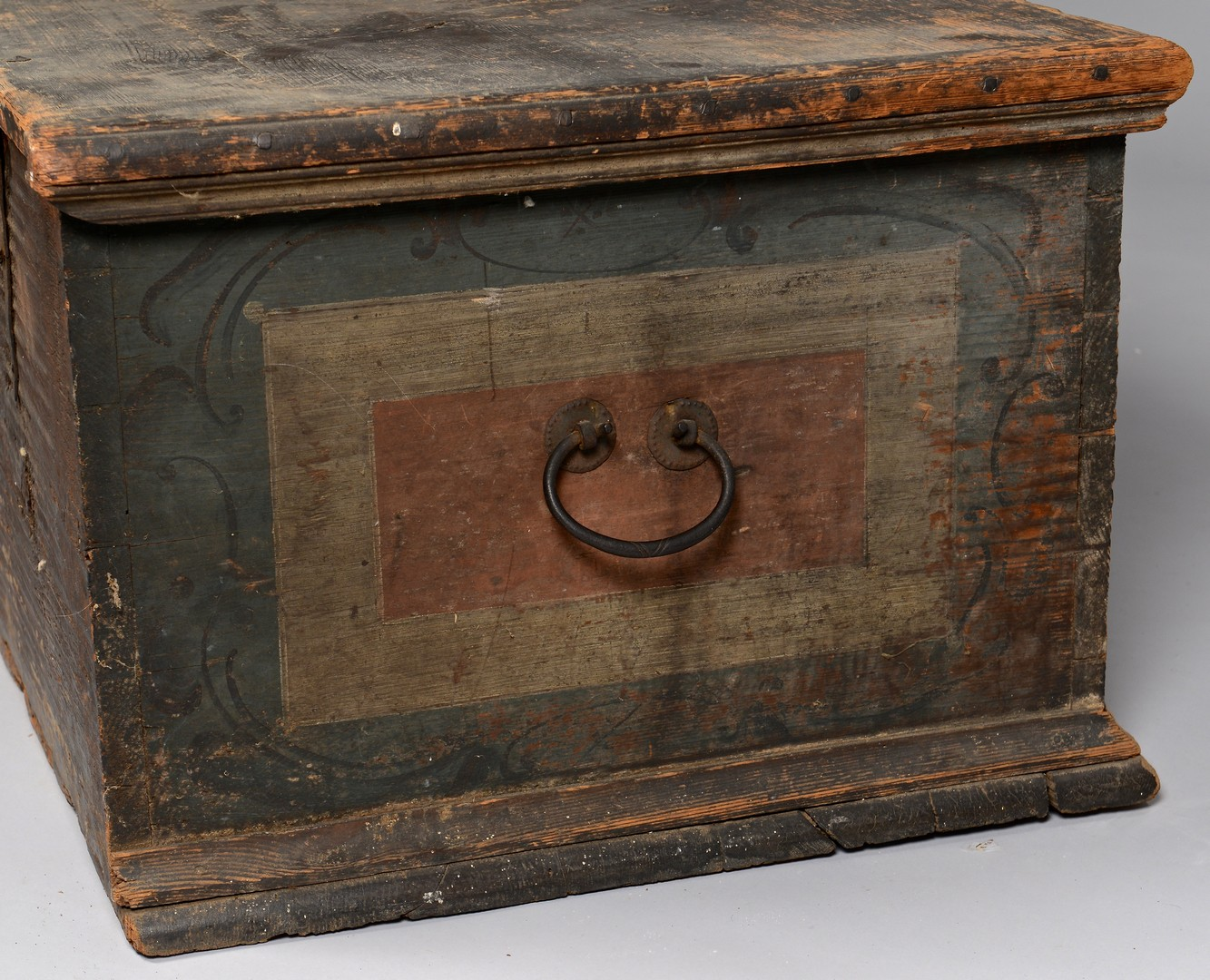 Lot 733: Blanket Chest with Paint Decorated Panels