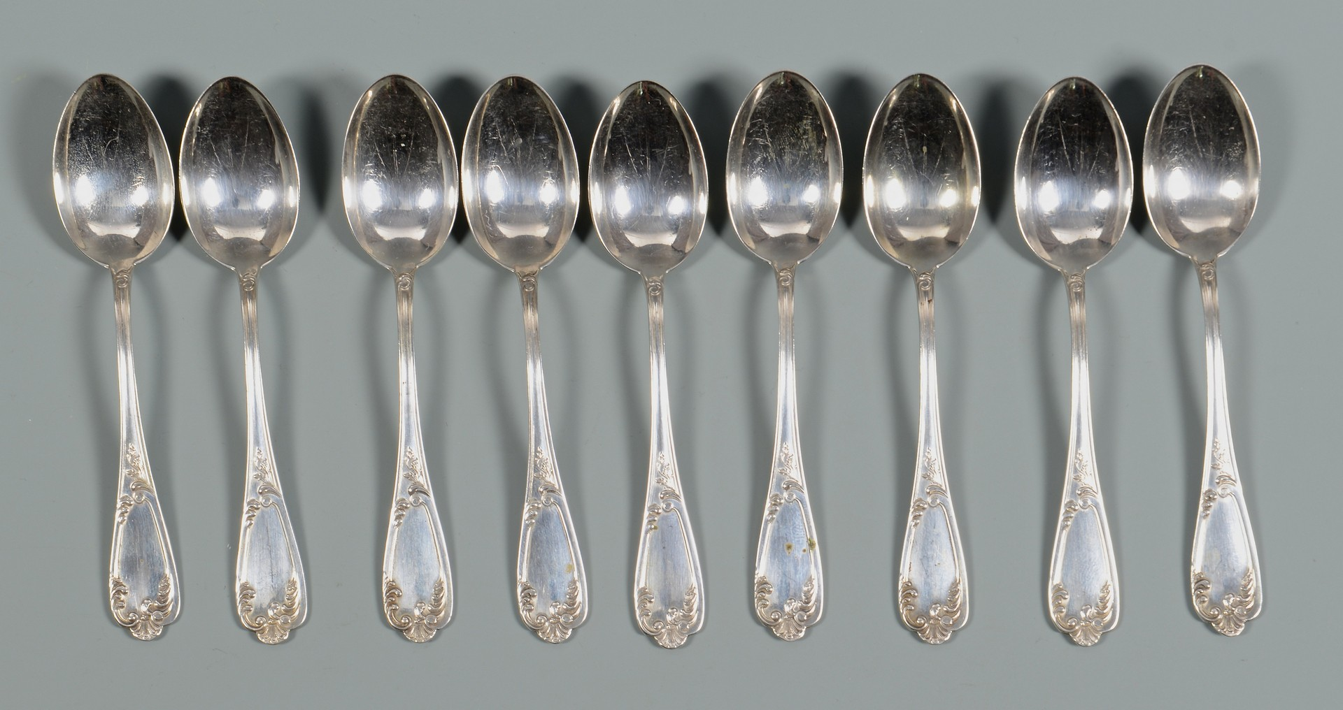 Lot 829: 29 spoons & forks incl. Shiebler
