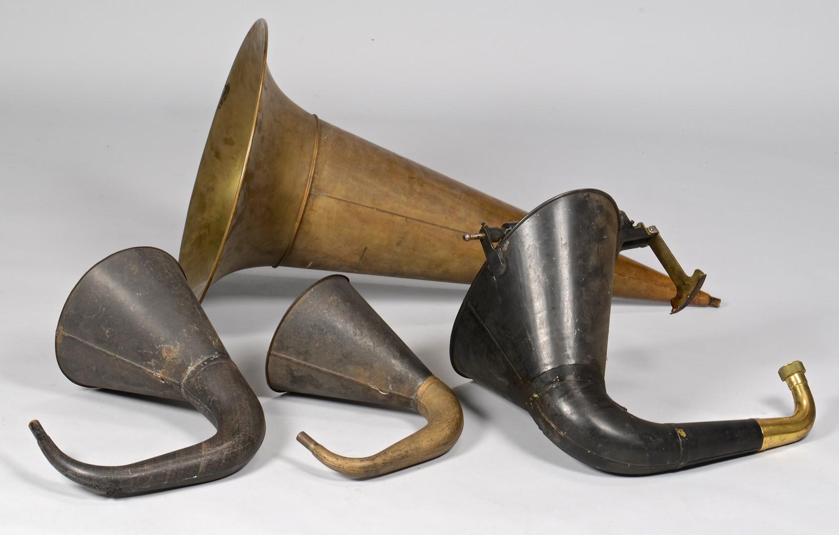 Lot 845: 4 Phonograph Horns