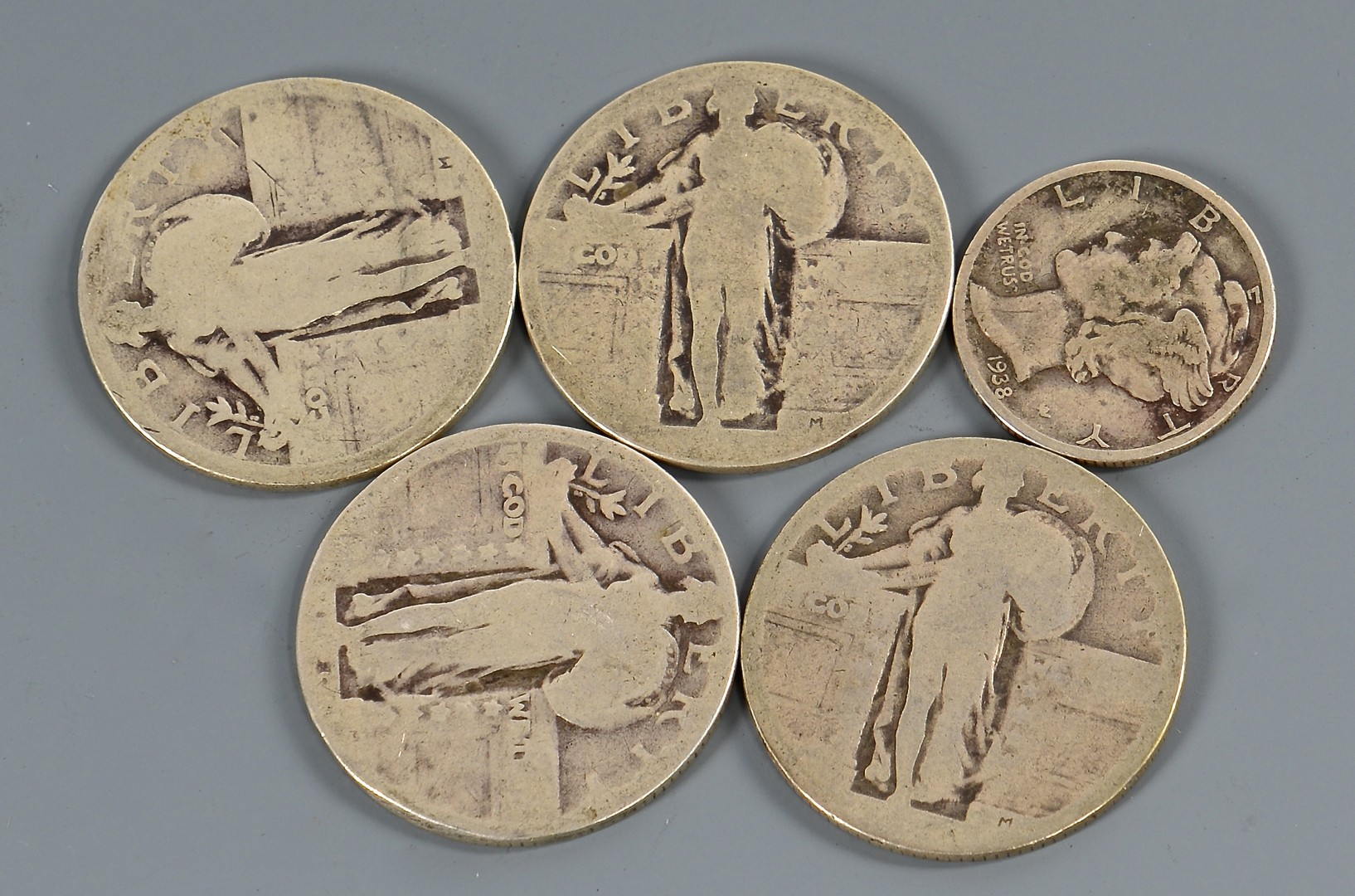 Lot 899: Grouping of US Silver Quarters