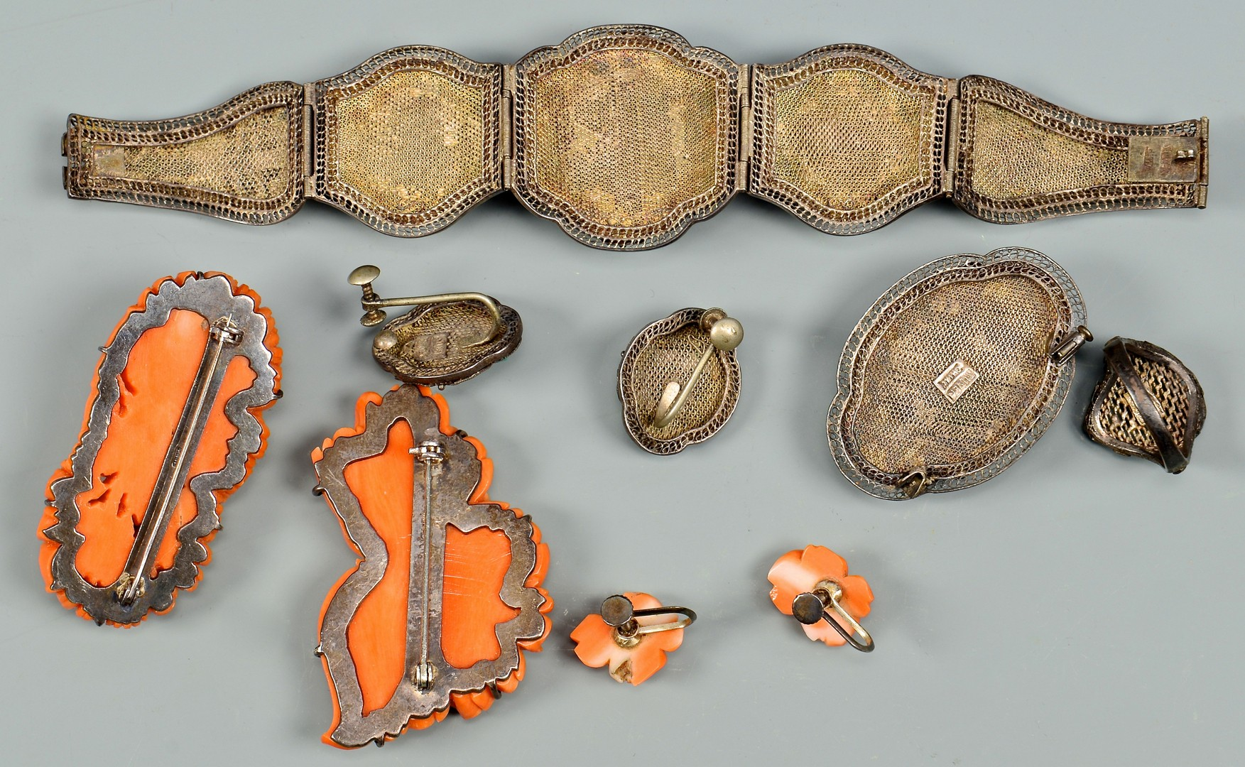 Lot 4010096: Large Group of Asian jewelry