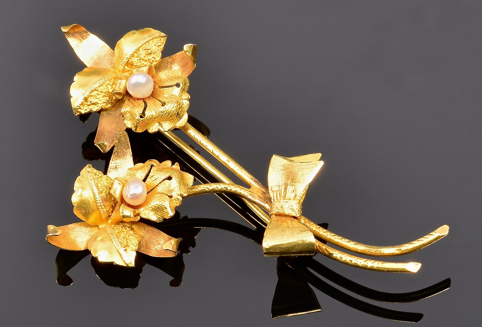 Lot 4010142: 3 14K or 18K Gold Orchid Pins