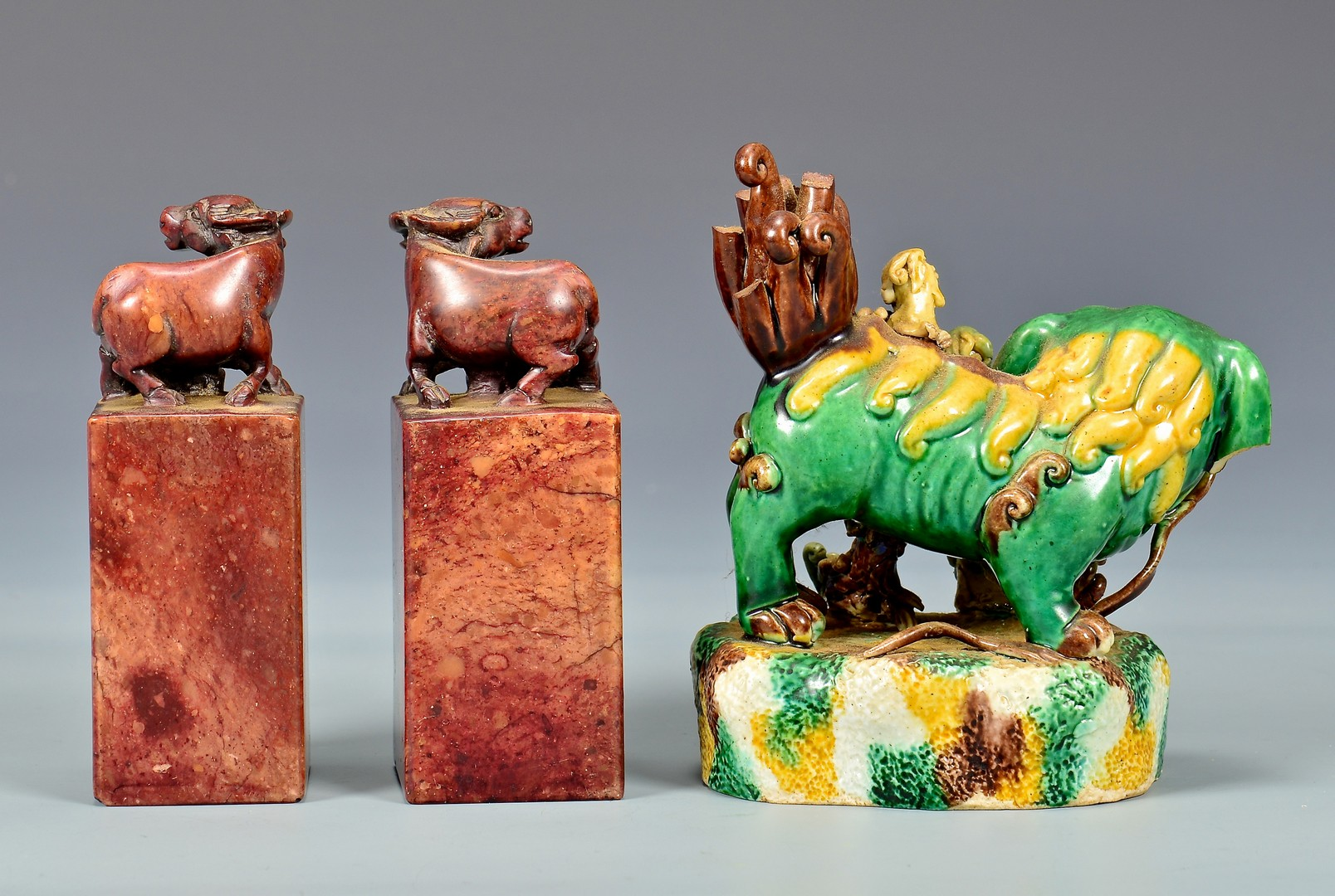 Lot 4010198: Grouping of Asian & European Decorative Items