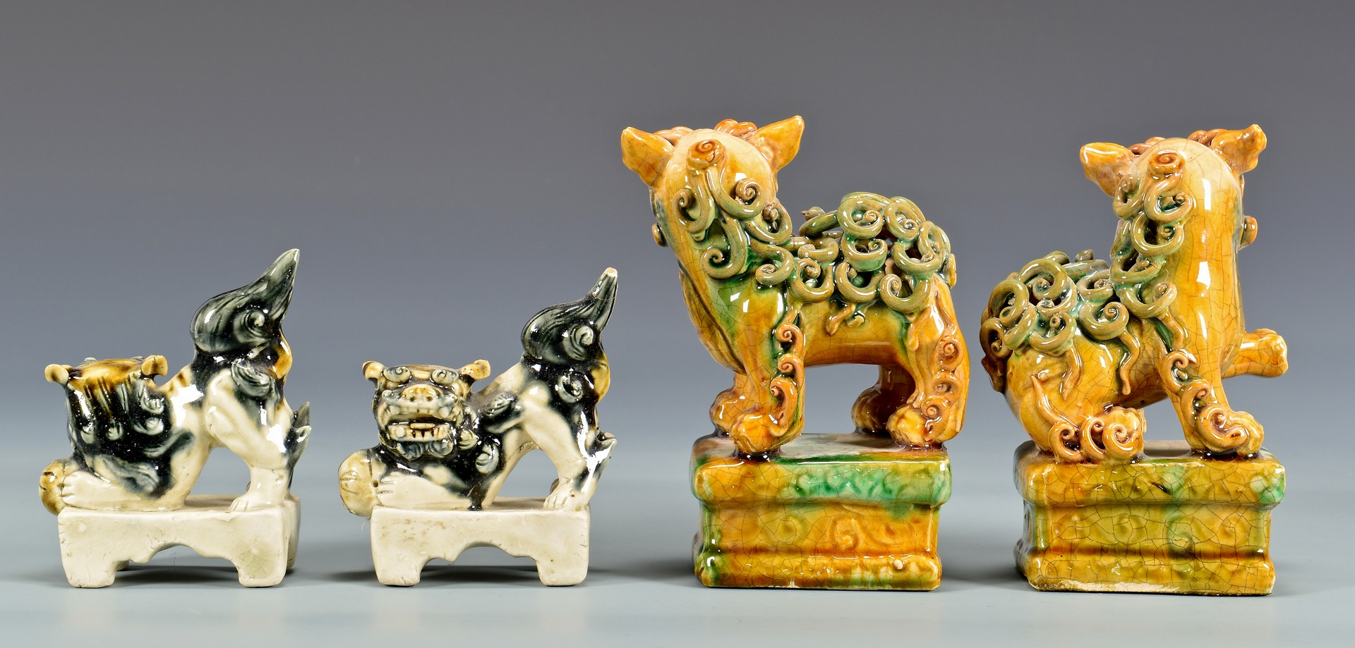 Lot 4010215: 5 Chinese Foo Dogs