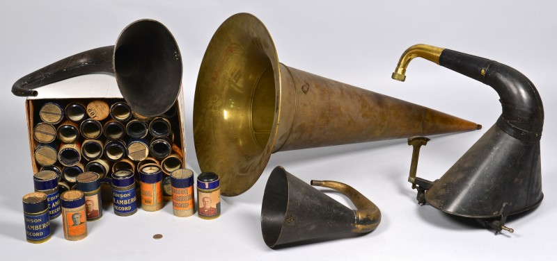 Lot 4010230: 4 Phonograph Horns & 78 Blue Amberol Cylinder Records