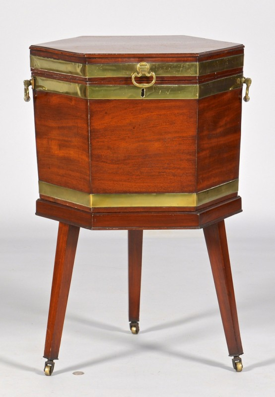 Lot 114: Mahogany Georgian Cellarette