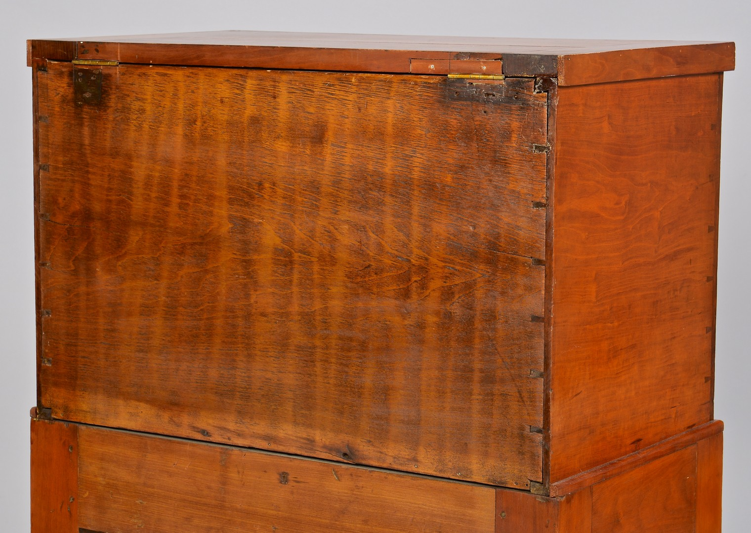 Lot 134: Middle TN Sugar Chest