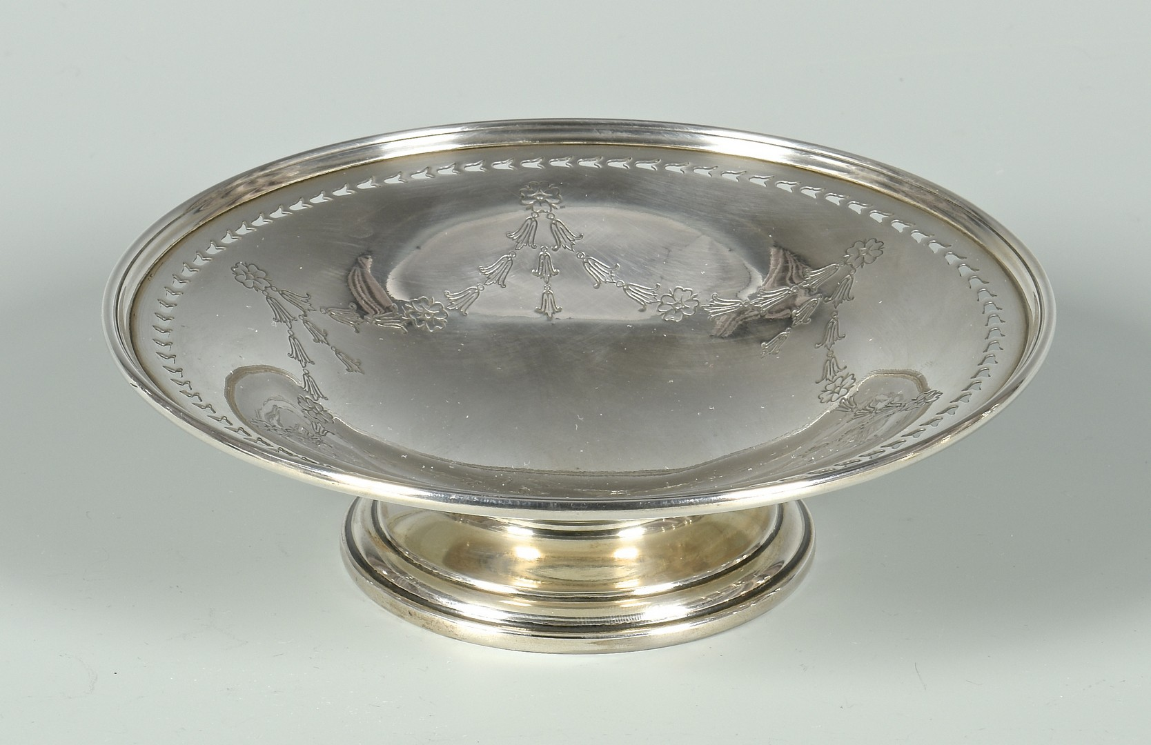 Lot 336: Assd. Edwardian Silver inc. Salver
