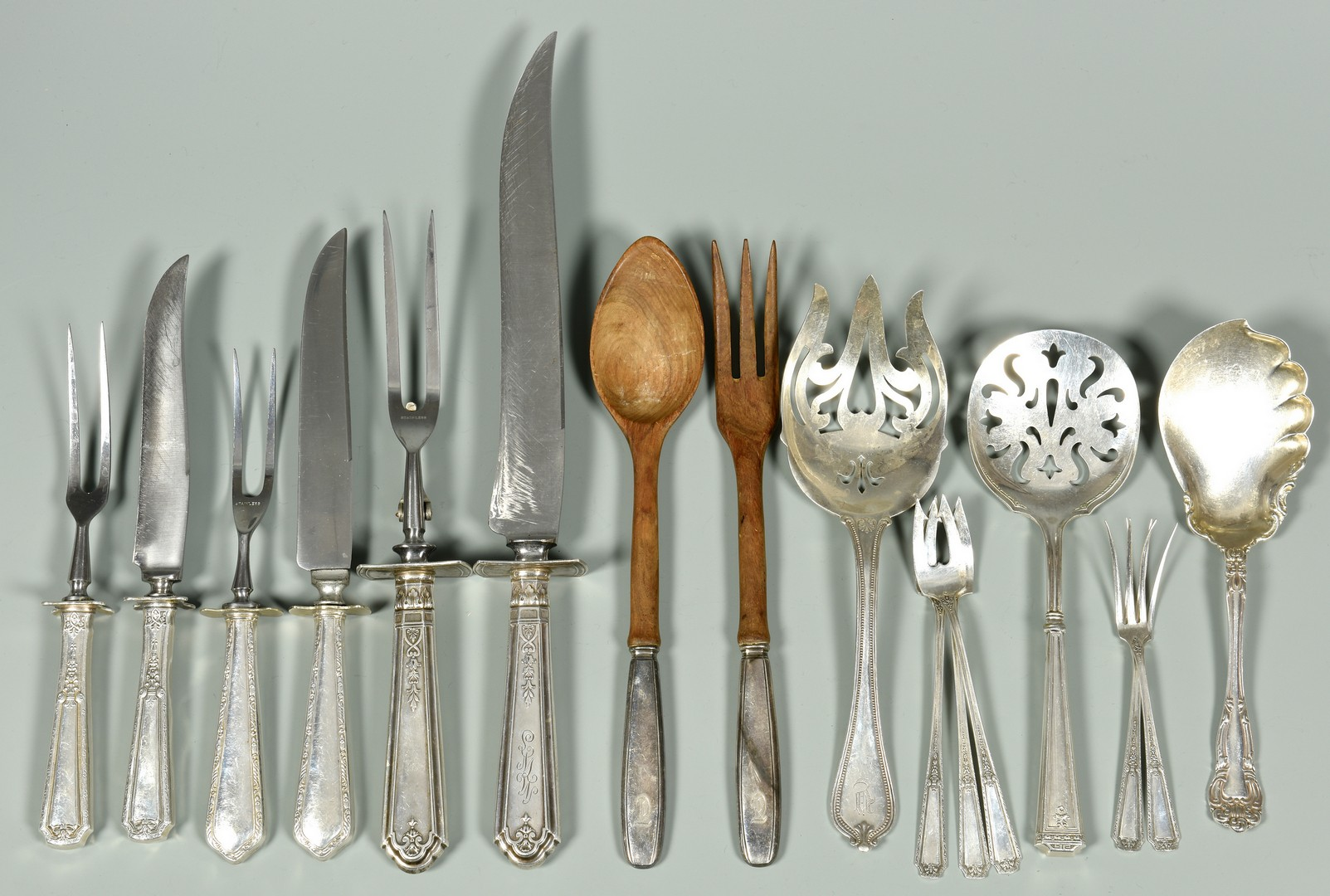 Lot 347: Vintage Sterling incl Towle Louis XIV flatware