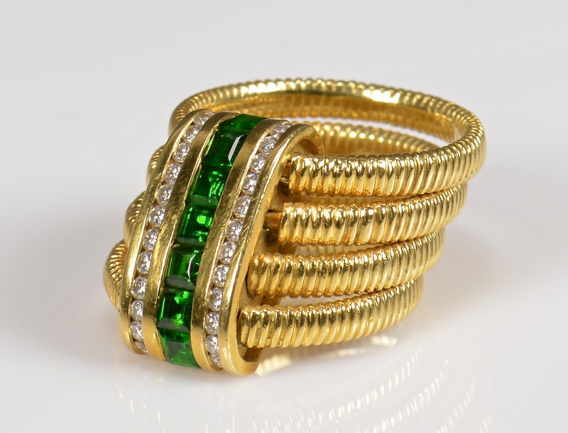 Lot 364: 18K SeidenGang Dia, Tourmaline Ring