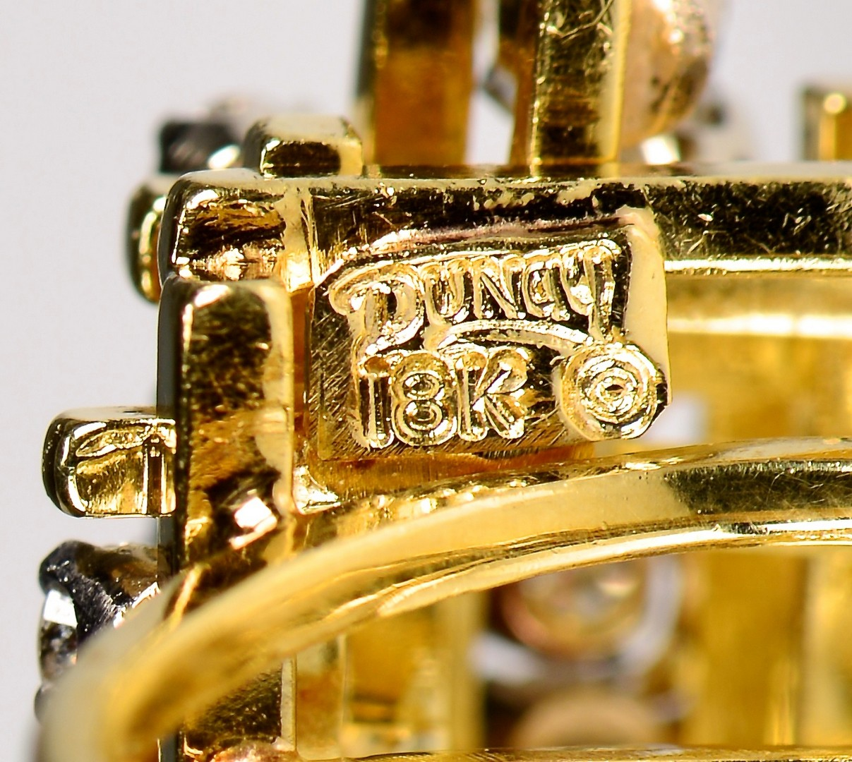 Lot 366: 18K Henry Dunay Diamond Ring