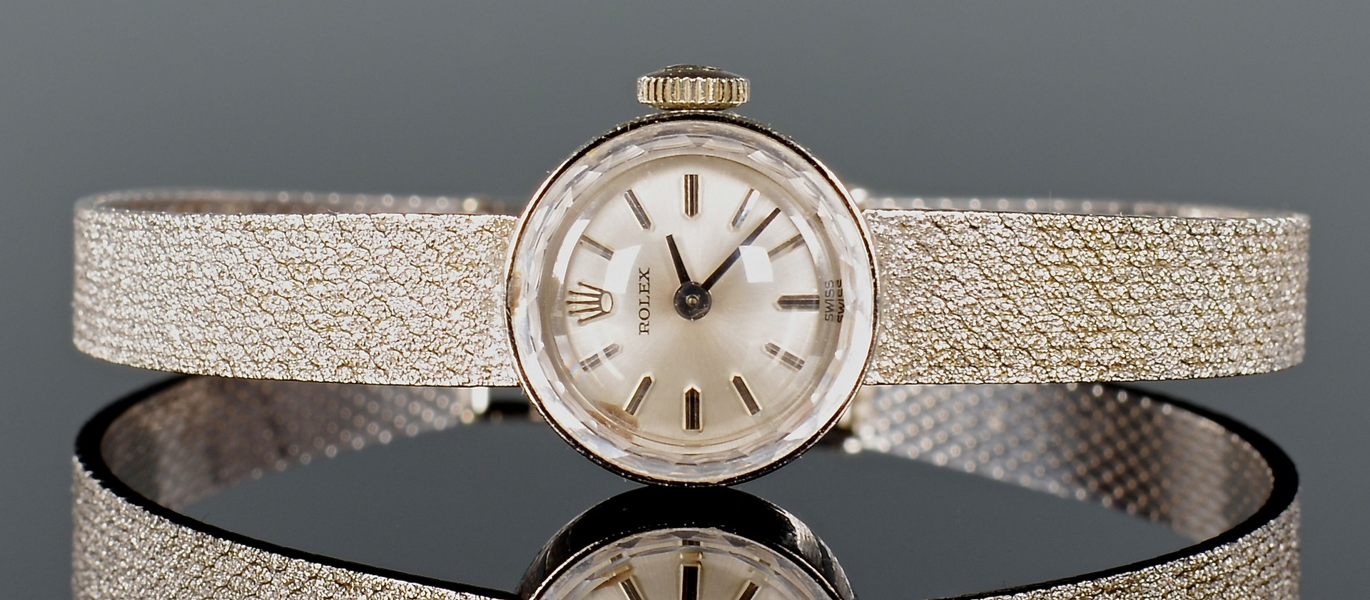 Lot 388: 14K Vintage Ladies Rolex Dress Watch