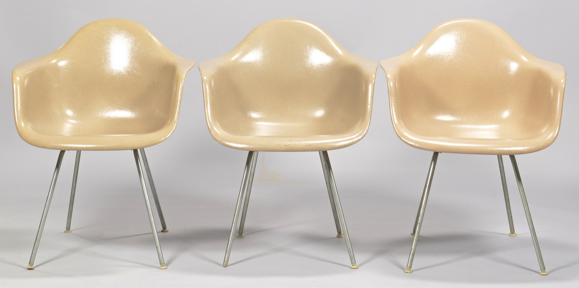 Lot 447: 3 Herman Miller chairs