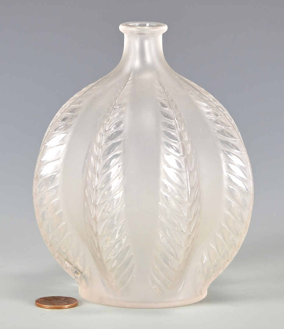 Lot 473: Lalique Malines Vase