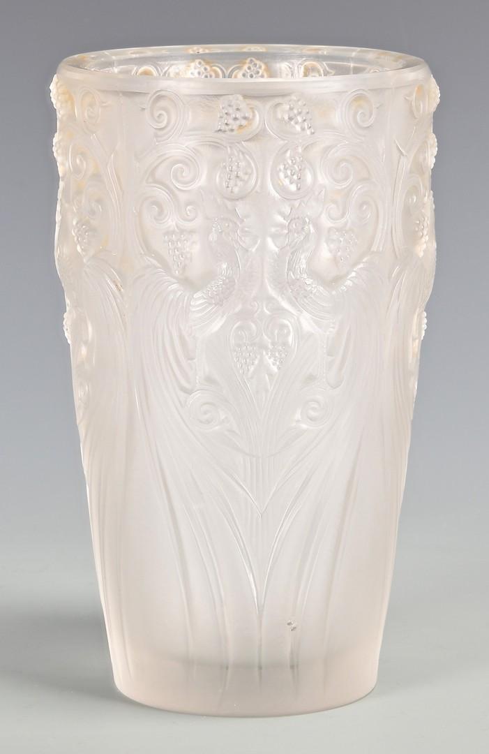 Lot 474: Lalique Coq et Raisins Frosted Vase