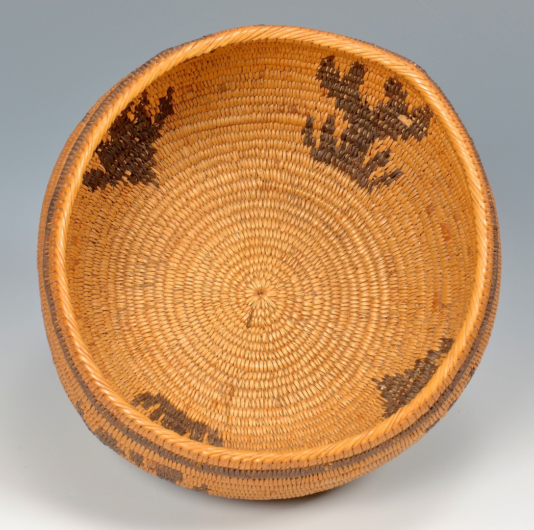 Lot 522: 2 Southwest Native American Coiled Baskets