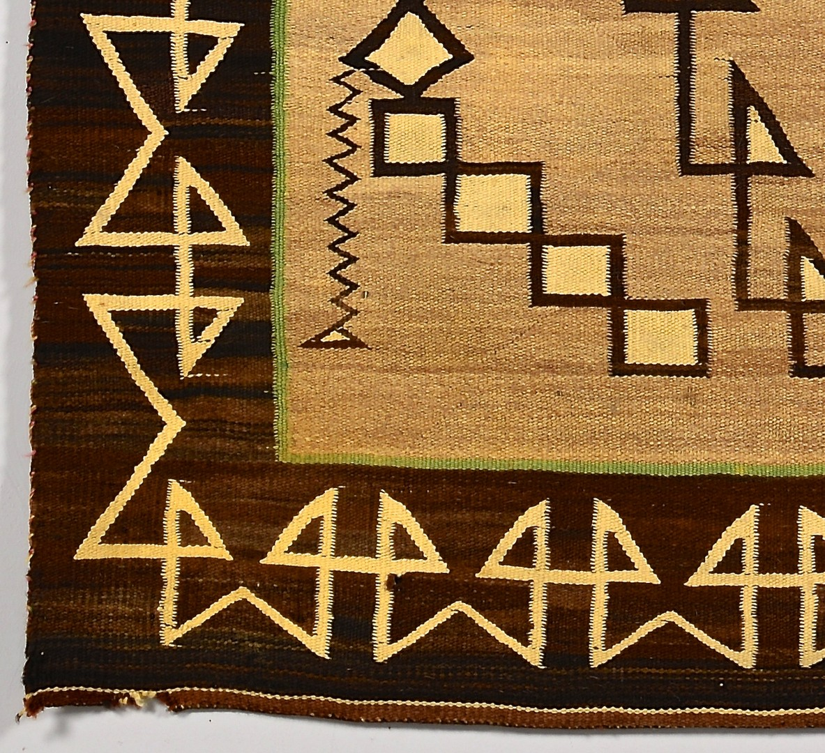 Lot 535: Navajo Teec Nos Pos Weaving