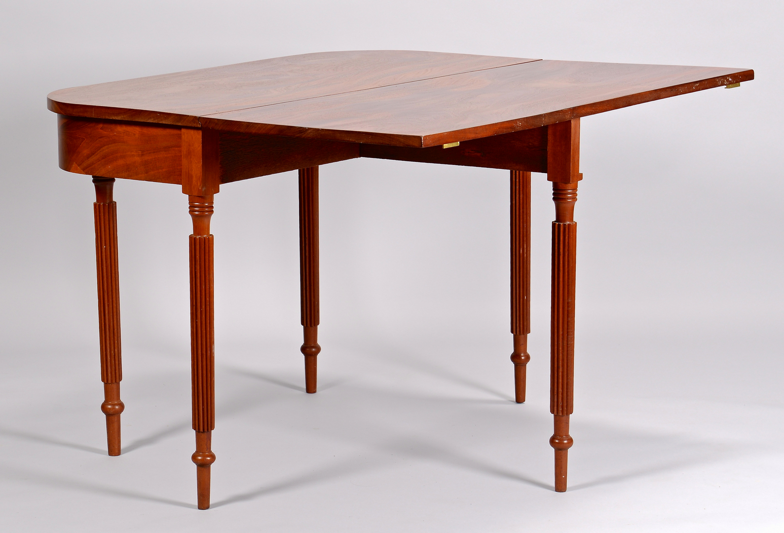 Lot 698 Tennessee Banquet End Dining Table