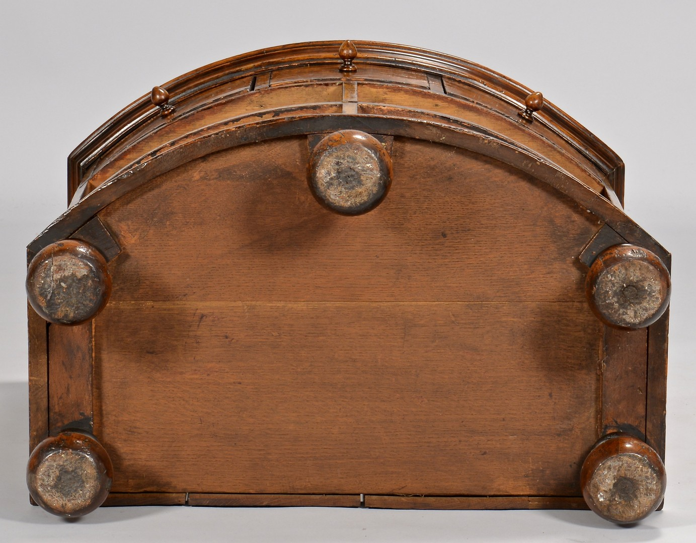 Lot 712: Georgian style Keepsafe Chest
