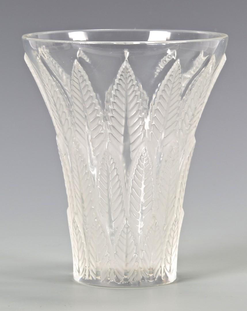 Lot 731: Lalique Chataignier Art Glass Vase