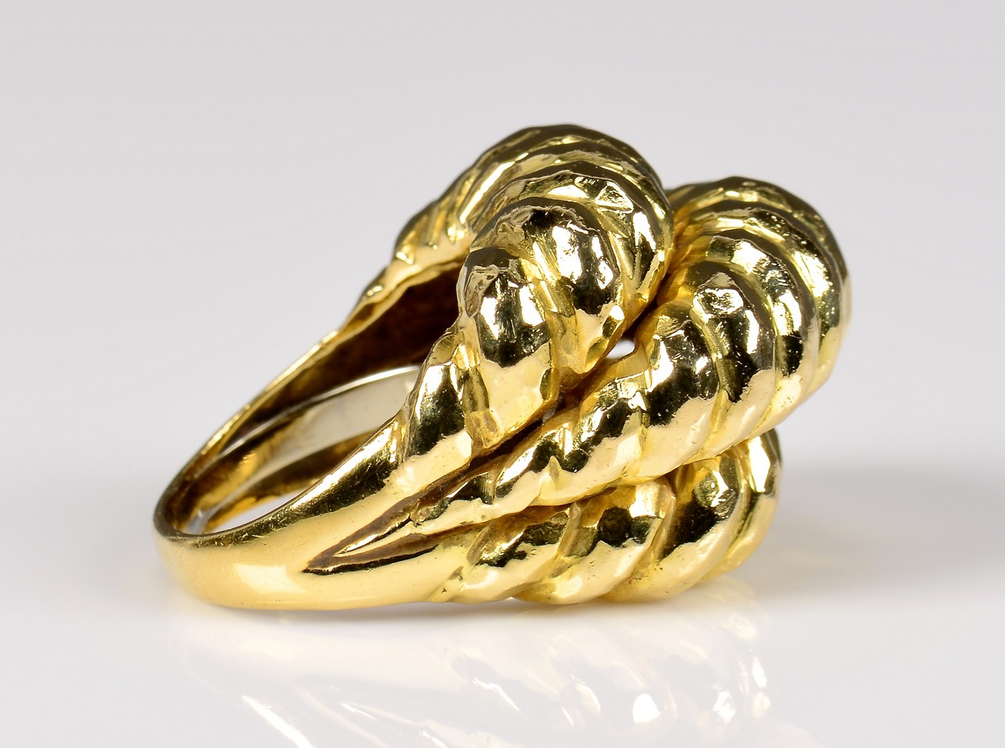 Lot 73: 18K David Webb ring, 31.7 grams