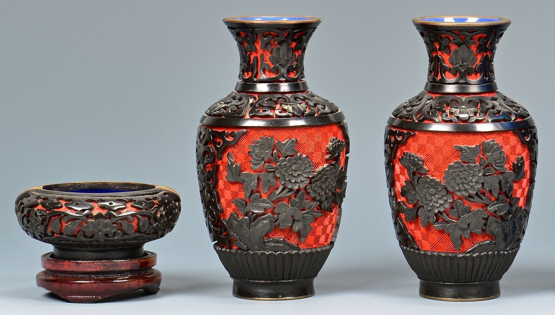 Lot 766: Group of Asian Decorative Items