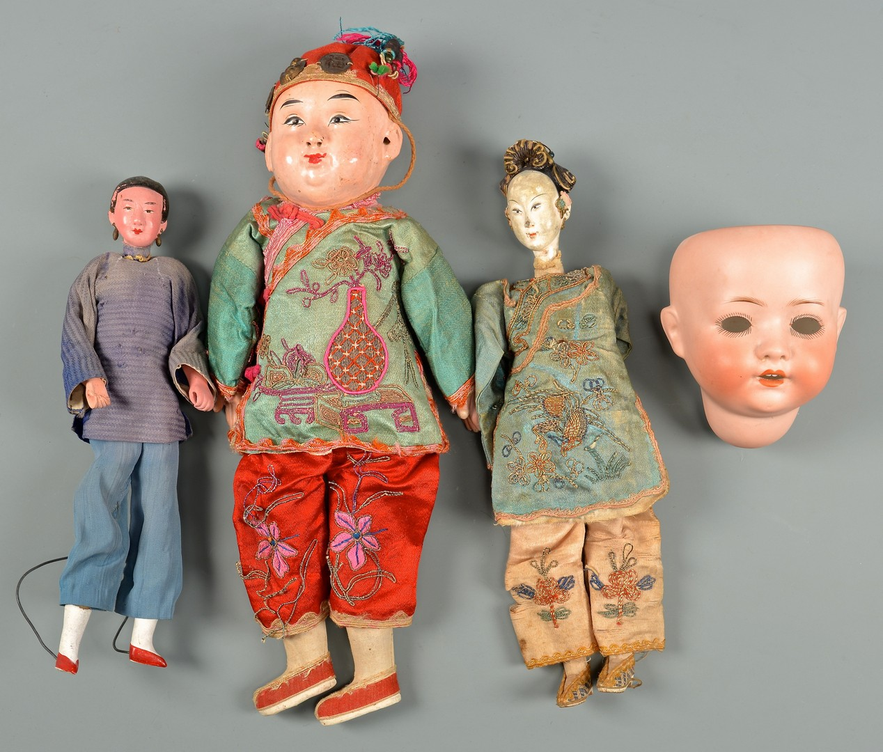 Lot 794: Assorted Dolls, 18 items inc Qing Chinese
