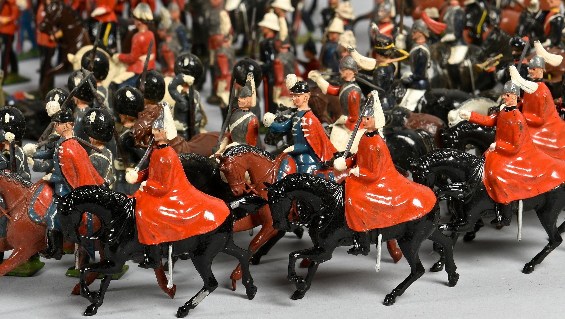 Lot 795: Collection of Toy Soldiers, more than 350