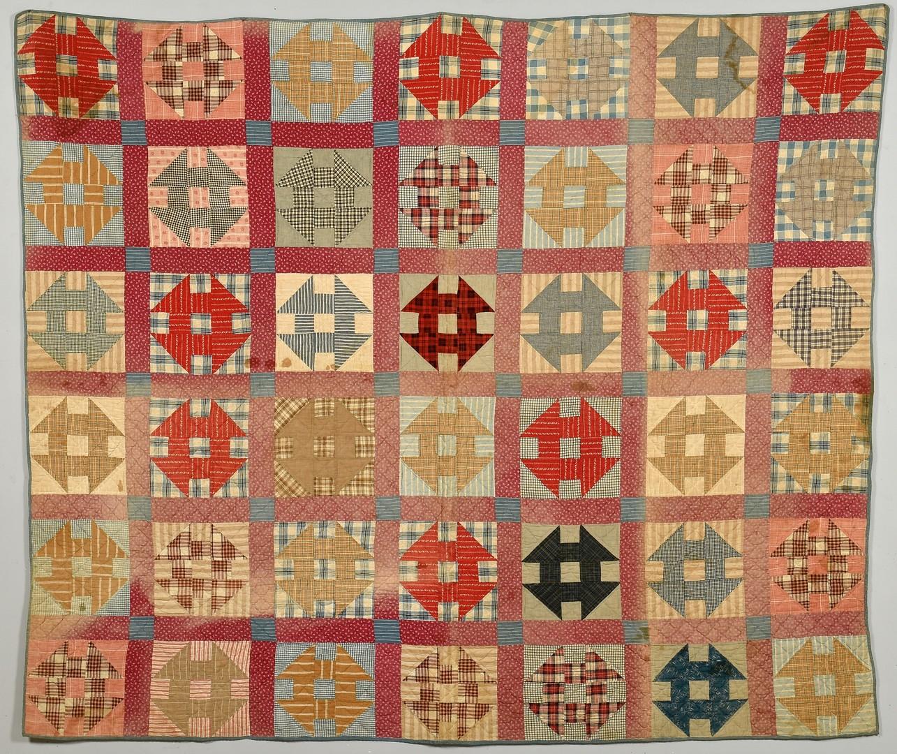 Lot 933: Group of 4 American quilts