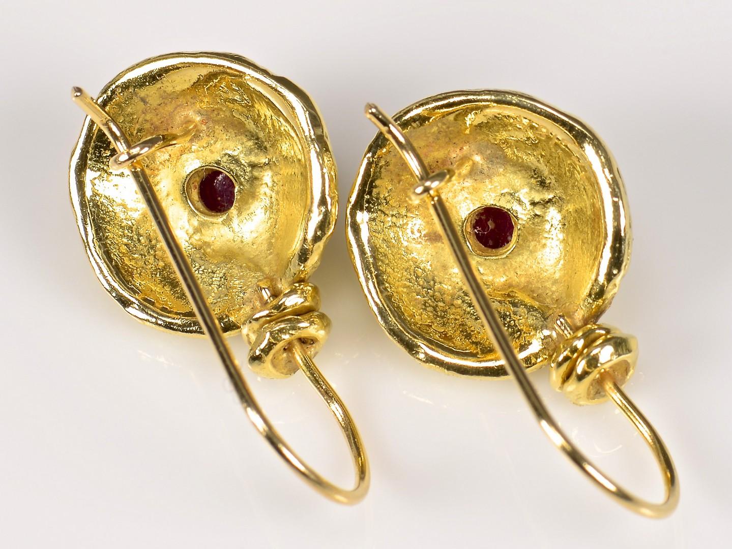 Lot 944: 18K drop Earrings with Rubies