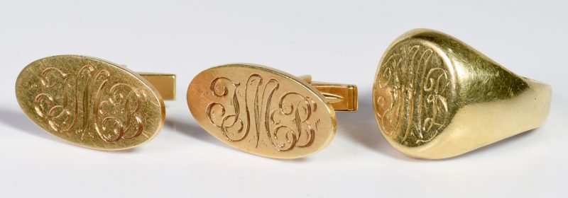 Lot 11: 14K Signet Ring and Cufflinks