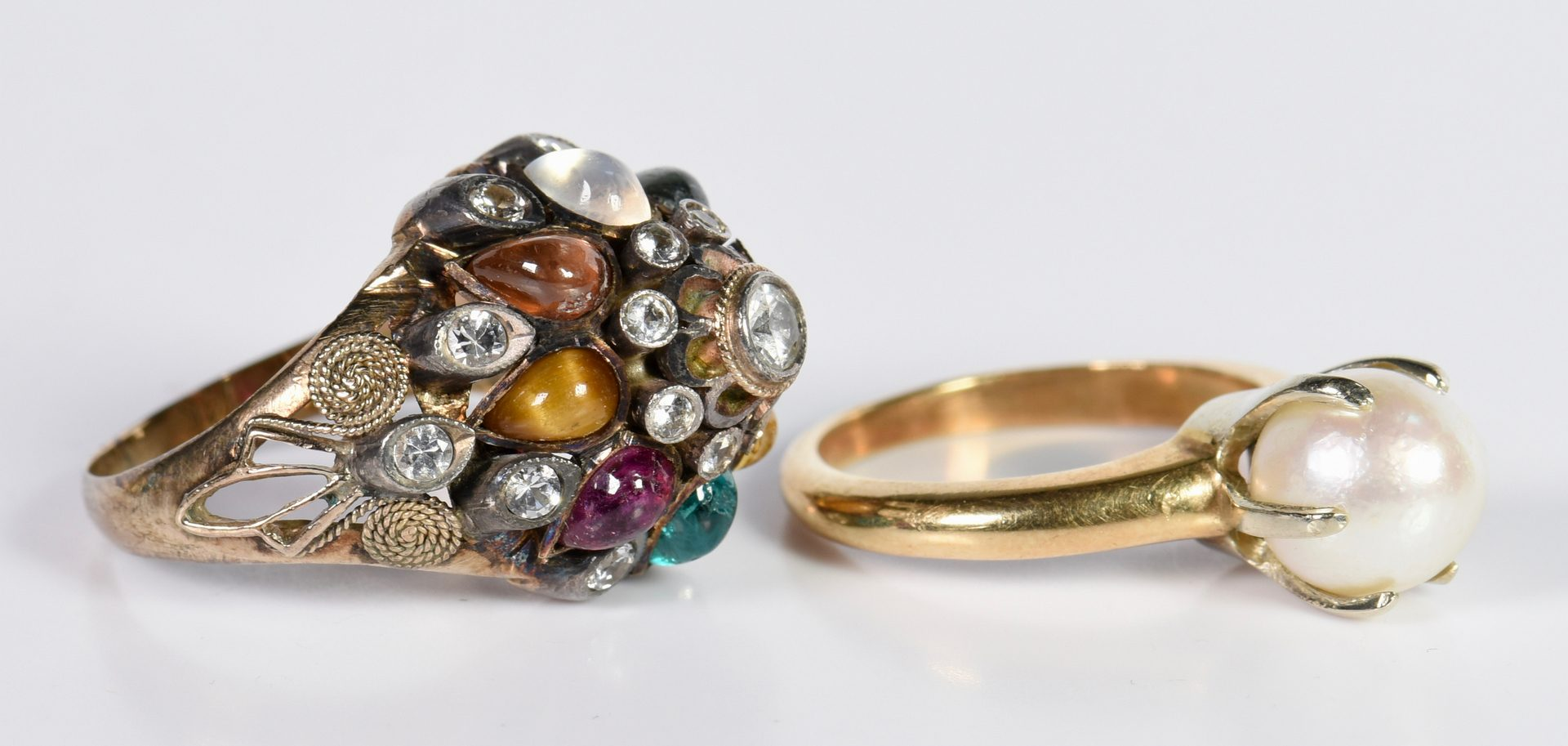 Lot 135: 4 Items Vintage Jewelry