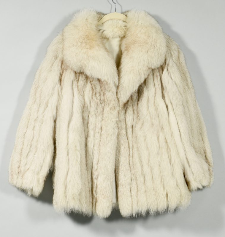 Lot 167: Ladies Blue Fox Fur Coat