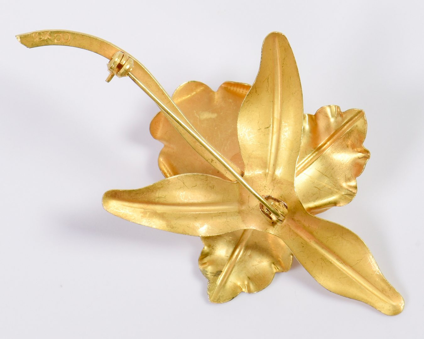 Lot 26: 18K Orchid Pin