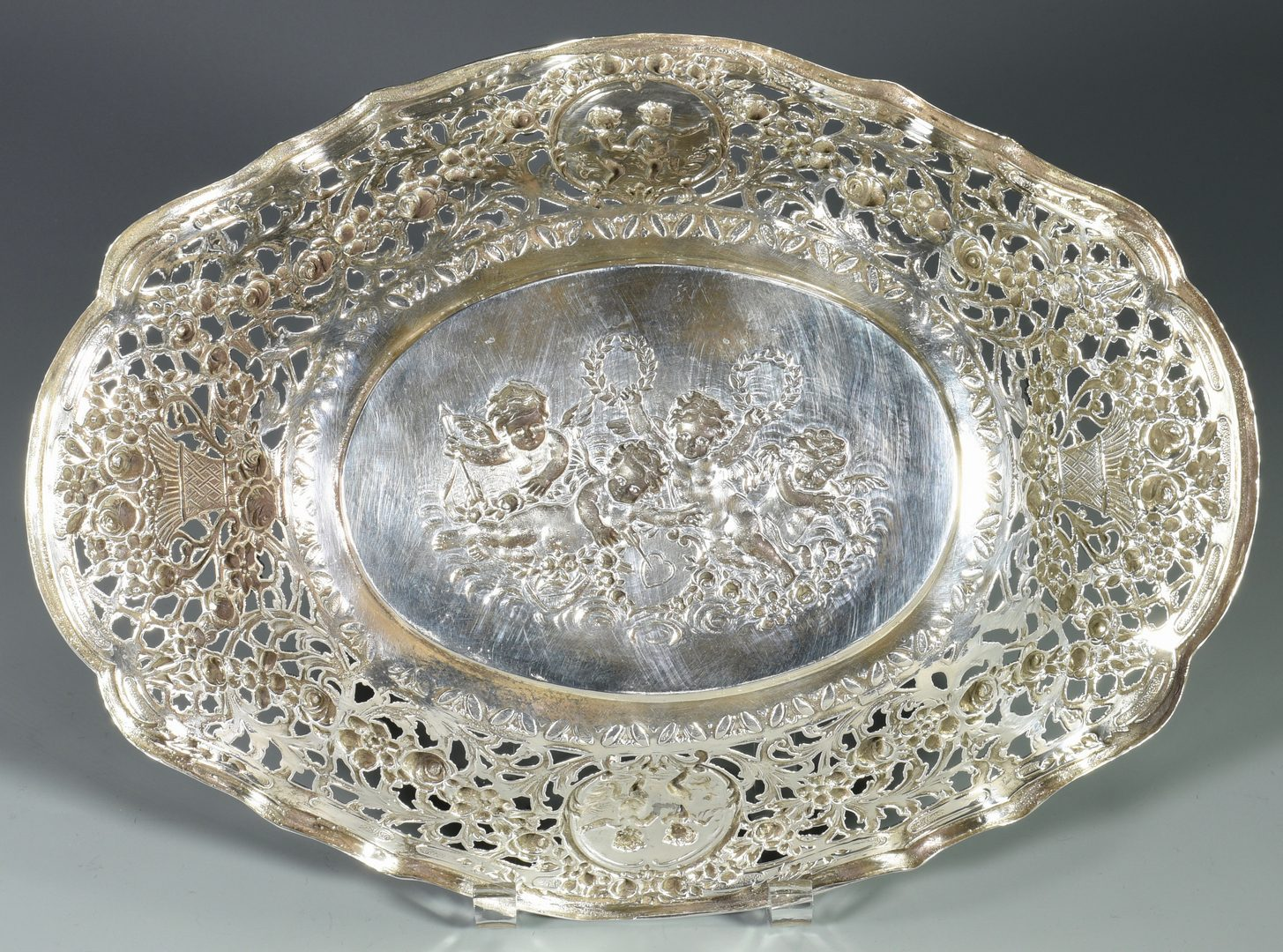 Lot 29: Sterling Silver Center Bowl with Cupids