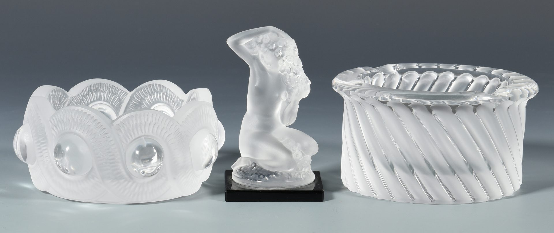 Lot 40: Group of Lalique and Baccarat