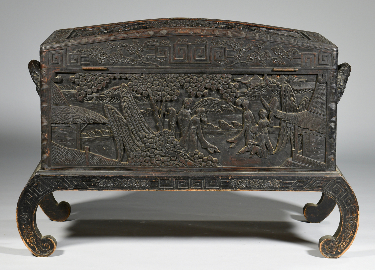 Lot chinese carved box on stand with relief