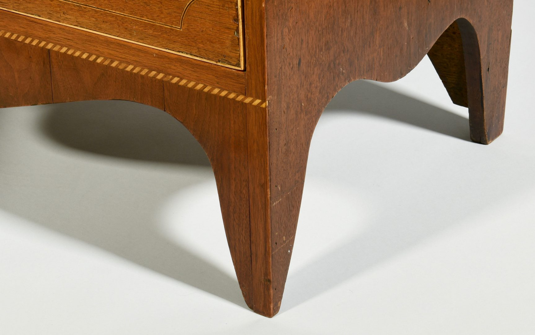 Lot 116: Southern Federal Inlaid Chest of Drawers