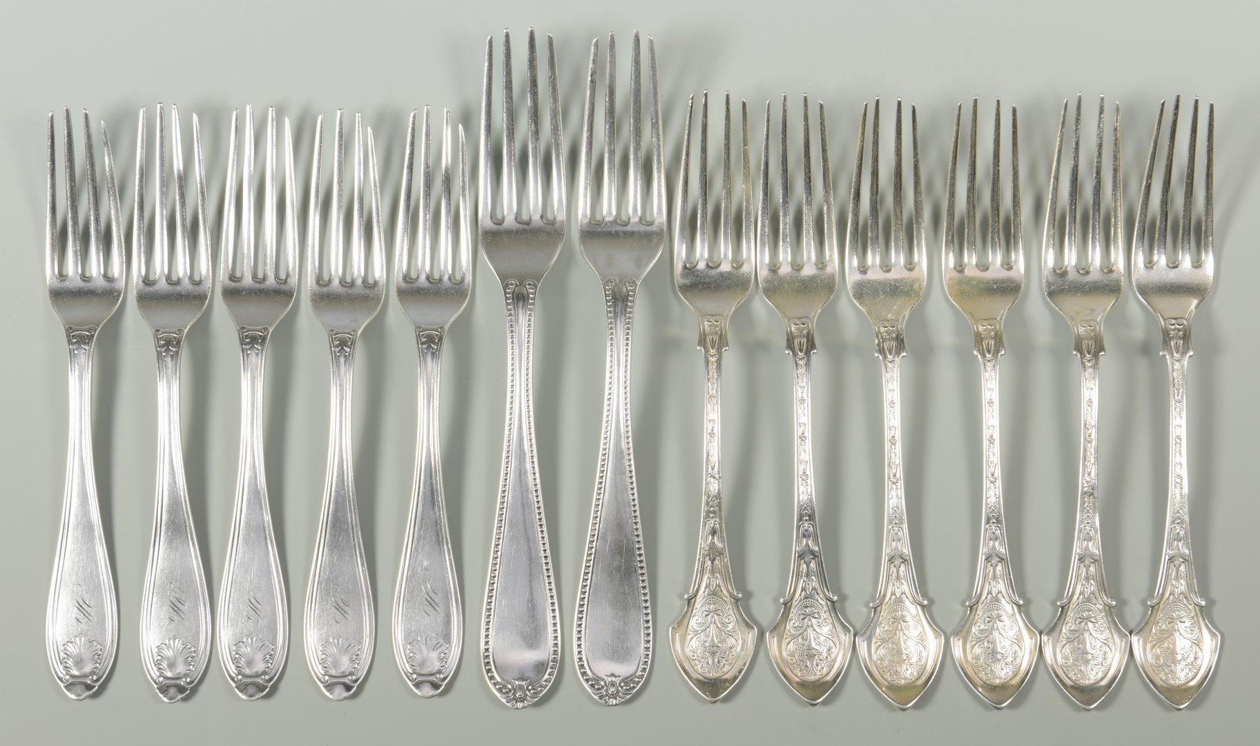 Lot 165: 13 Nashville Retailed Forks