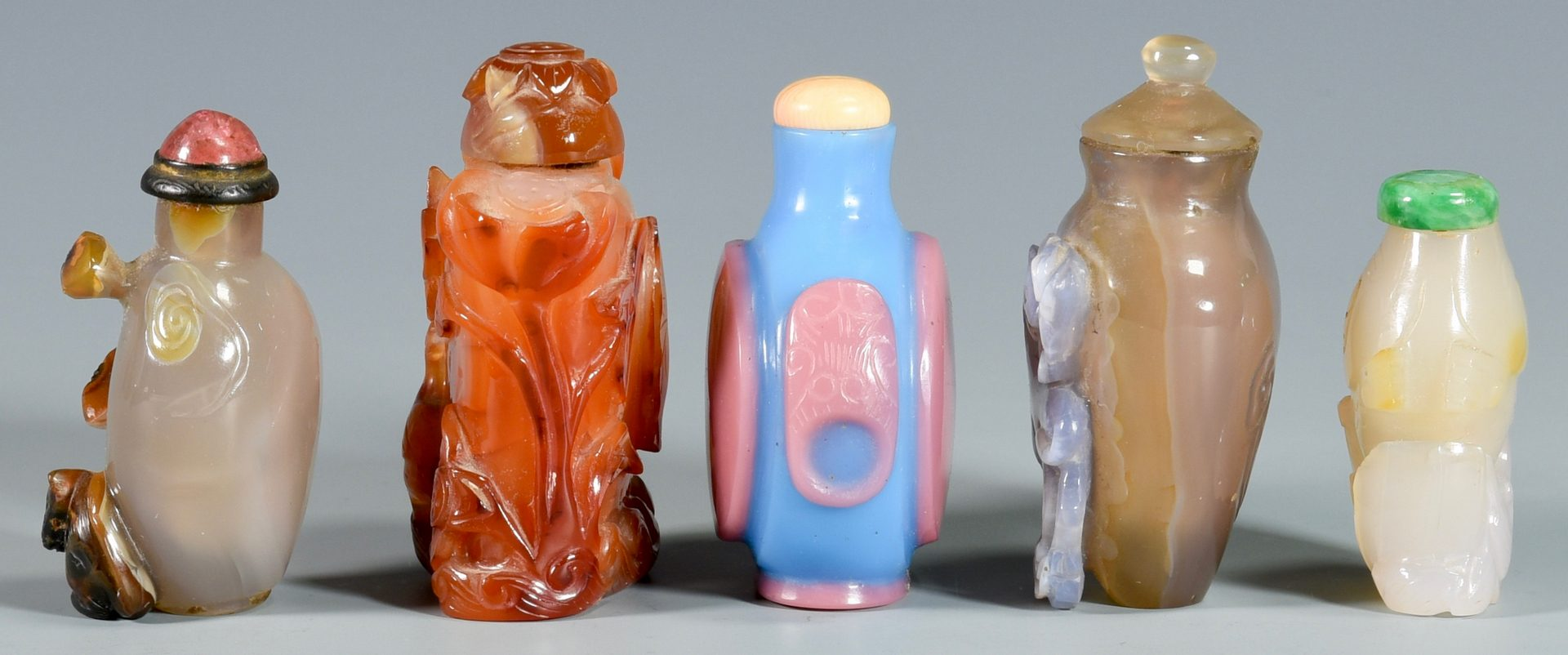 Lot 1: 5 Chinese Snuff Bottles inc. White Jade
