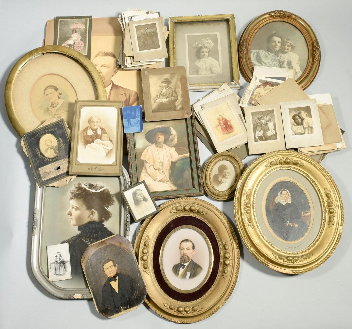 Lot 253: Giers Family photo and letter archive