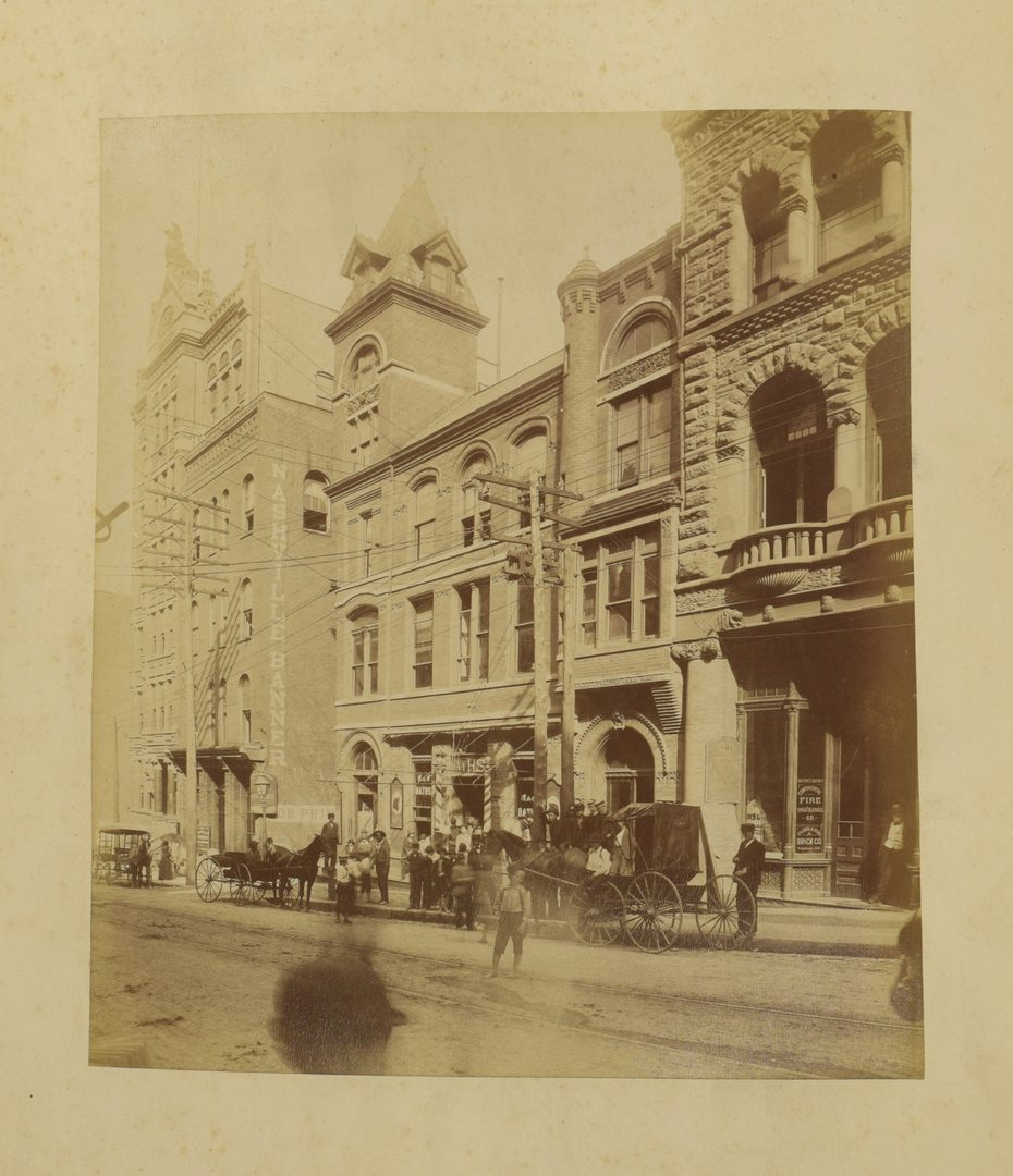 Lot 256: 27 Bound Photos of 19th C. Nashville Homes and Businesses
