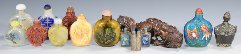 Lot 315: Snuff Bottle collection and Dragon, 12 pcs